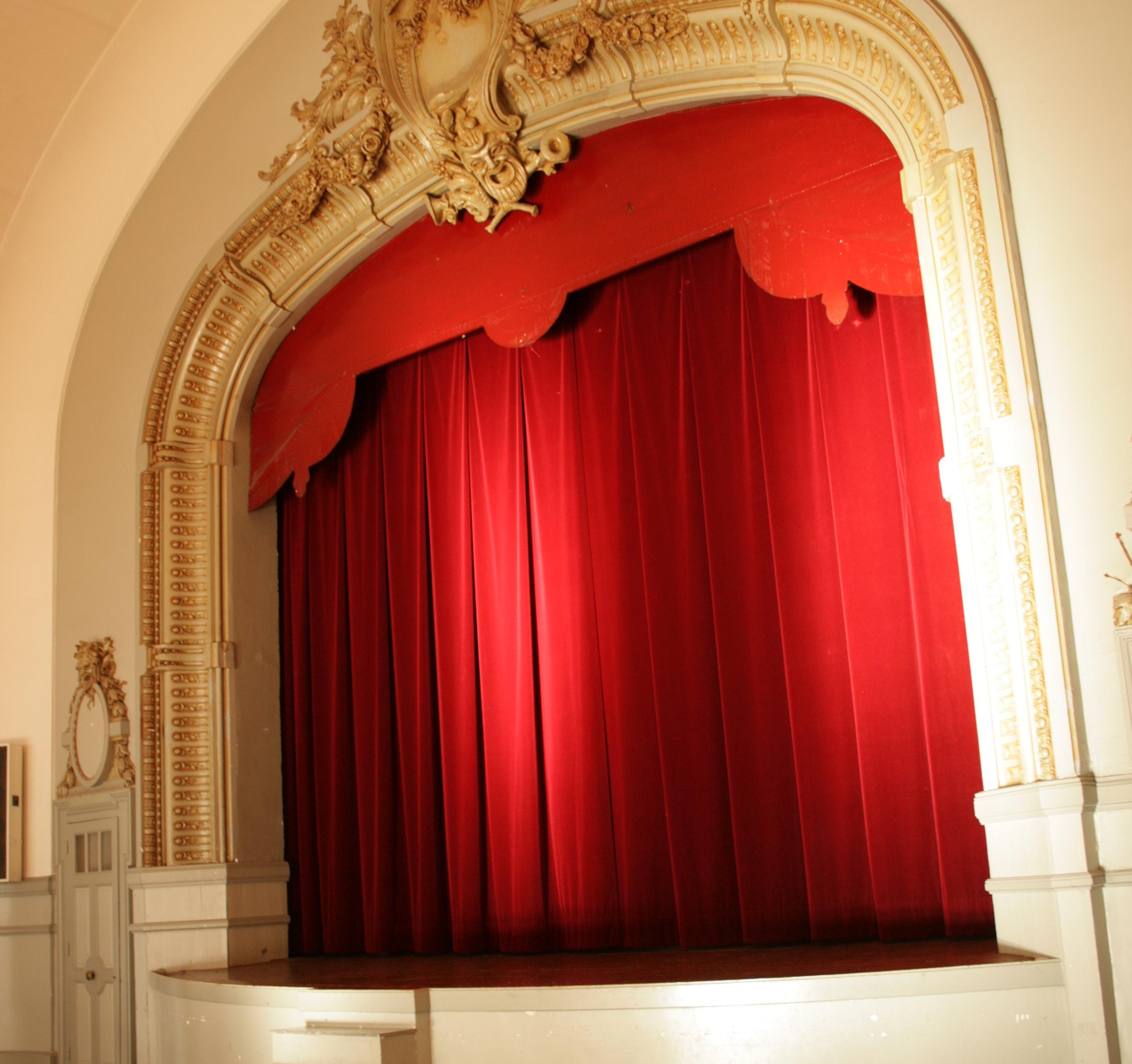 Architecte D Intérieur Auray réserver une salle municipale / participer à la vie locale